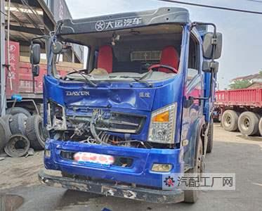 太原郭师傅的修理厂订购了一台大运运途驾驶室空壳外壳