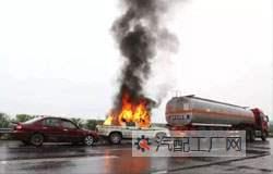 防止汽车漏油的几个措施,来汽车配件网汽配工厂网告诉你。