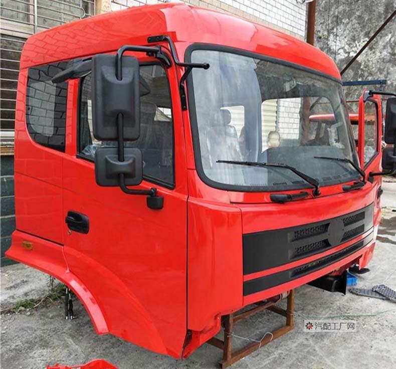 三环昊龙T260-1驾驶室总成侧面